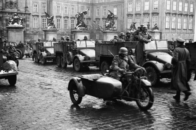 15 Březen 1939 Photo: 15. 3. 1939 Německá Okupace Čech, Moravy A Slezska