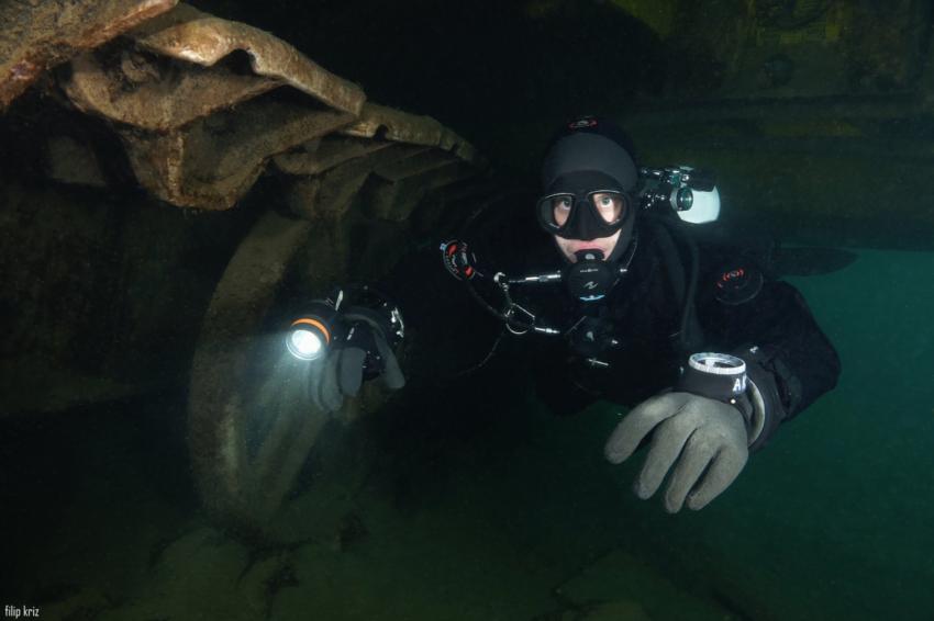 Sladkovodní potápění v zatopeném lomu Koparki, Polsko (foto: Filip Kříž)